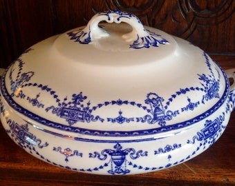 Victorian Pair Of Soup Tureens Blue And White By Burslem England Other Blue & White