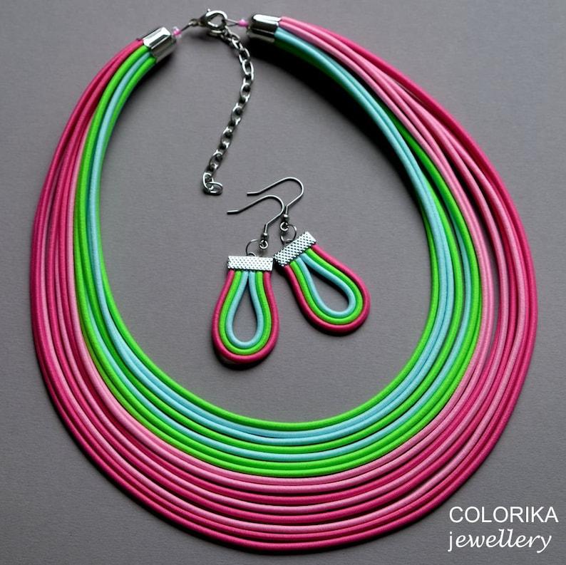 30302ce1feb14f Rainbow zielony naszyjnik zestaw biżuterii kolorowej Boho | Etsy