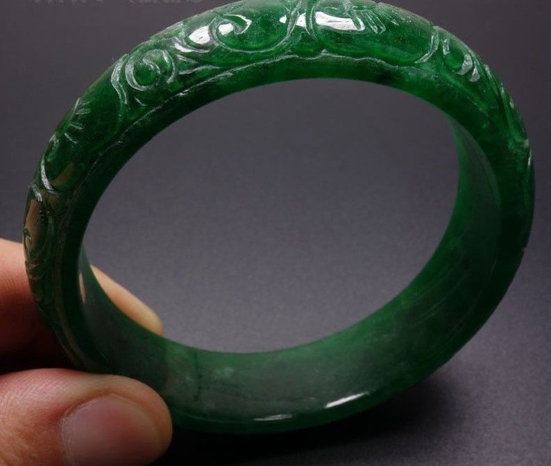 4fddae1e2705b Gorgeous! Vintage 59mm Hand-carved Green Jadeite Jade Bangle Bracelet #136