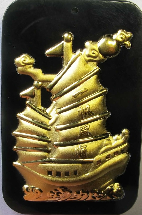Down Price 24k Yellow Gold Natural A Grade Hetian Jade Lucky Dragon Pendant