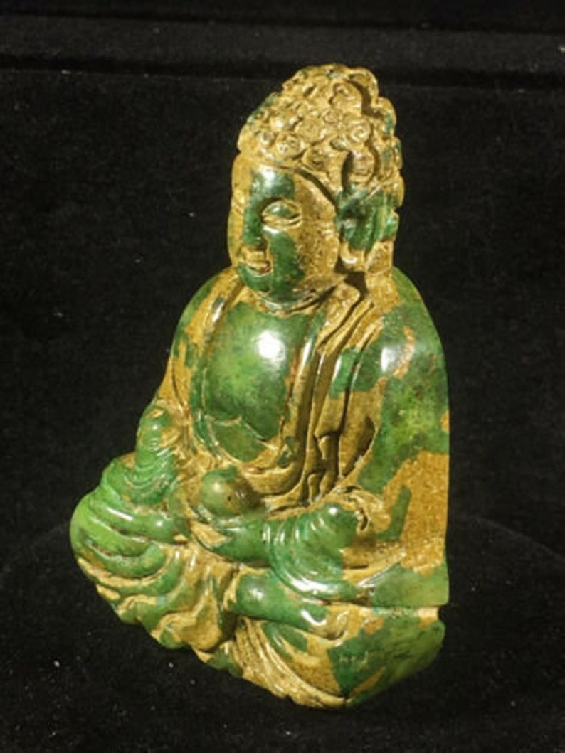 Chinese natural old jade Delicate pure hand-carved buddha statue pendant guanyin
