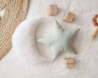 Nursery Decor Pillow Set, White Moon and Green Star Pillow, Star Cushion, Moon Cushion, kids pillow set,Kids Room Decor,Toddler pillow set