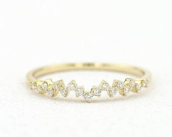 14k Gold Diamond Wedding Band / Half Eternity Diamond Wedding Band Prong Setting / Stackable Diamond Ring / Dainty Diamond Ring