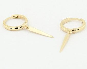 14K Gold Drop Single Spike Earrings/ Minimalist Elongated Triangle Gold Dangle Earrings/ Geometric Design Spike Fashion Earrings