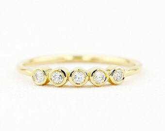 Bezel Set Diamond Band in 14k Gold/ Bezel Set Diamond Ring/ Simple Thin Gold Band White Diamond Ring/ Bezel Set Wedding Band