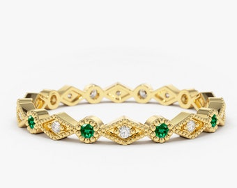 Emerald and Diamond Eternity Ring / 14k Gold Art Deco Emerald and Diamond Wedding Band / Emerald Birthstone Stacking Ring / Fine Jewelry