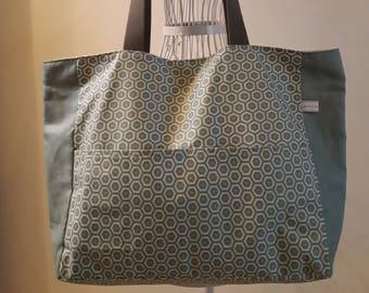 Laminated cotton fabric tote bag