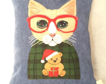 Ugly Sweater (CAT in the winter)