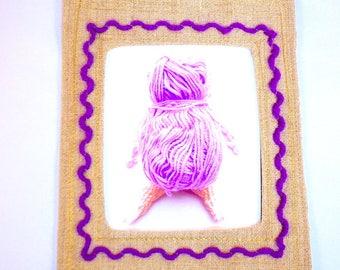 Cadre brodé en lin, personnages déco textile, cadre à suspendre, cadeau déco, broderie, photo