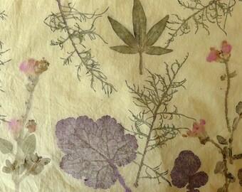 Impression sur tissu, support à broder, tataki zome, impression végétale, textile