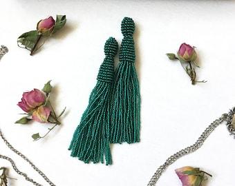 Green tassel earrings Beaded tassel earrings Boho earrings Fringe earrings Bridesmaid earrings Bohemian earrings Emerald statement earrings