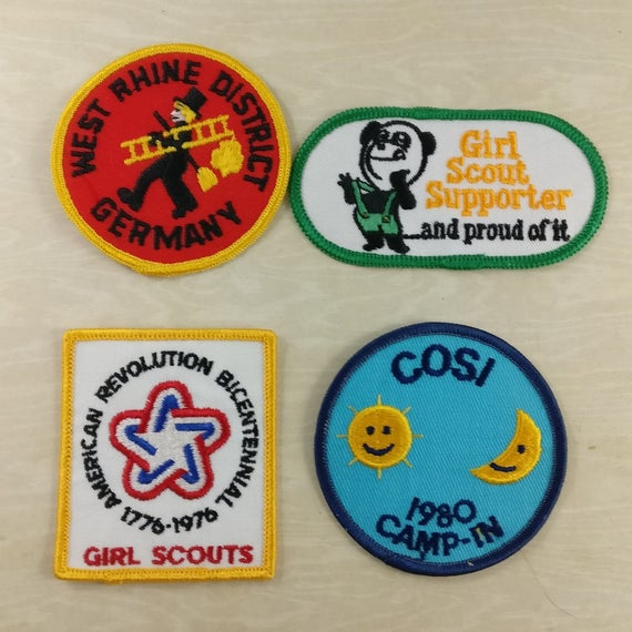 vintage patches lot of 4 - 1970s 1980s Brownies and Girl Scout patches -  Germany patch