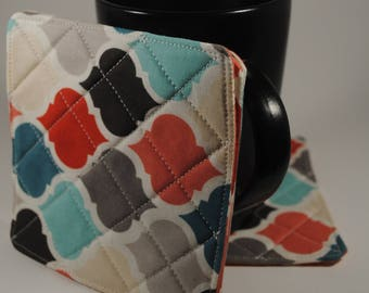 Coral and multi colored quatrefoil Reversible Fabric Coasters, Set of 4 Quilt-like Coasters, Simple Gift, Lightweight Drink Coaster, Mug Rug