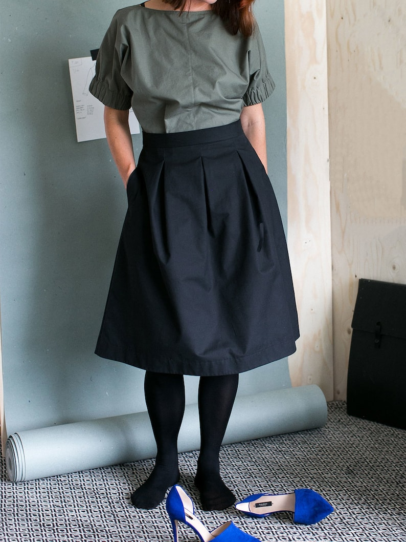 Sewing Pattern  Women  The Assembly Line  Three Pleat Skirt image 0