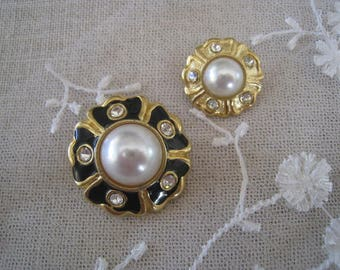 Beautiful french couture Sewing-1 - buttons.