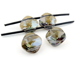 Irina Miech Small faceted light emerald CZ beads 5 strand 7mm x 6mm green cubic zirconia flattened diamond shape