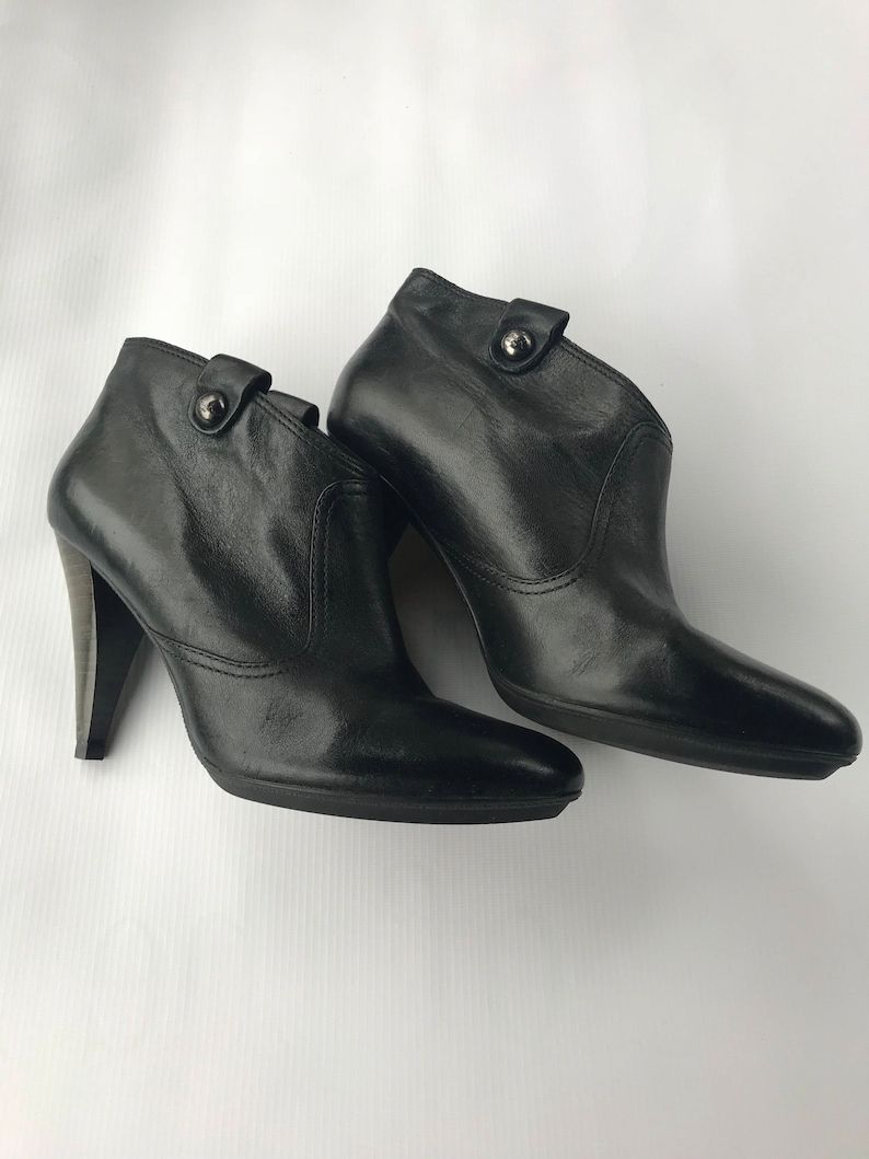 fc1d638b8e03c Coach Ankle Boots size 9 Refurbished Vintage Black Leather Shoes With  Traditional Stacked Heel Easy To Slip On Style