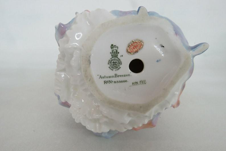Royal Doulton HN1911 Autumn Breezes English Bone China Porcelain Figurine 1075B