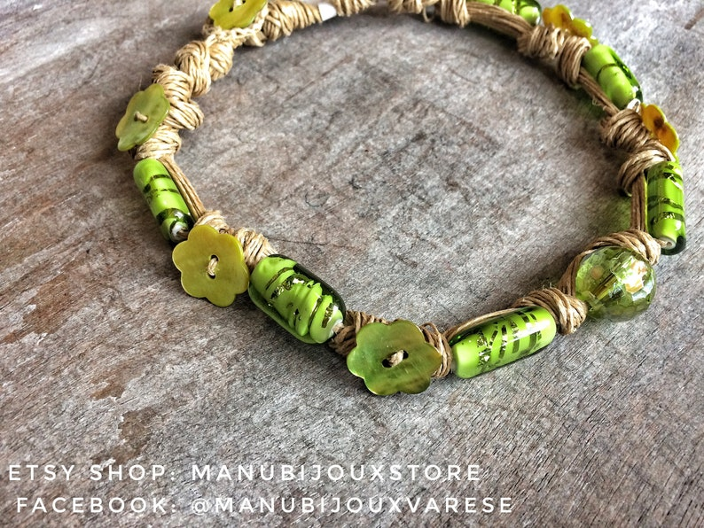 Green choker necklace with wall glass and natural linen string image 0