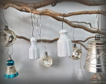 Old porcelain tassels ~ ceramic weight~ bell ~ country house decor ~ keychain ~ tree hanging ~ Christmas ornament ~ DIY ~ ht2645
