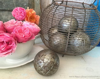 Old Boule SET Balls ~ Iron Pétanque Ball Game ~ vintage ~ brocante ~ shabby chic decoration ~ ht2528