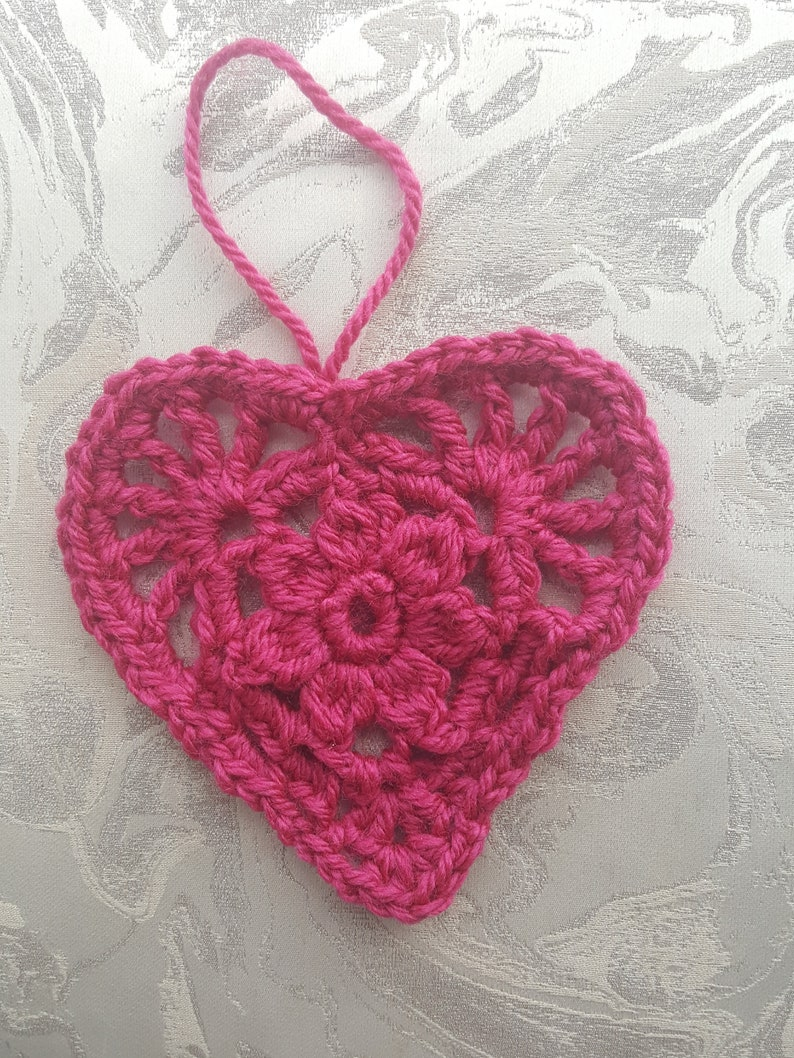 Mothers Day Wall Decoration Valentine/'s Handmade Shabby Chic  Vintage Granny Square Hanging Heart Gift Christmas Decoration