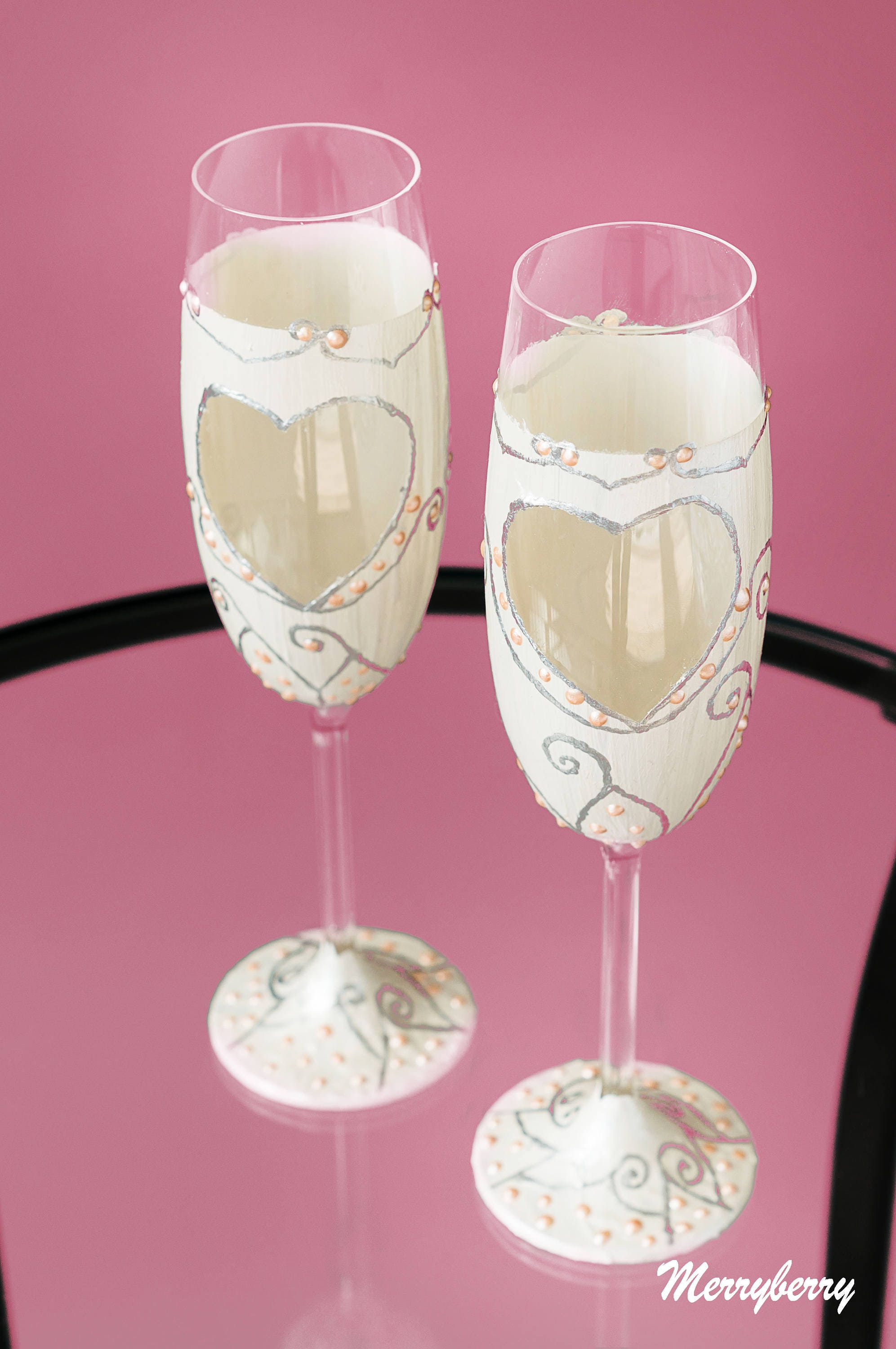 Set of Two Folklore White Wedding Flutes with Heart Wedding