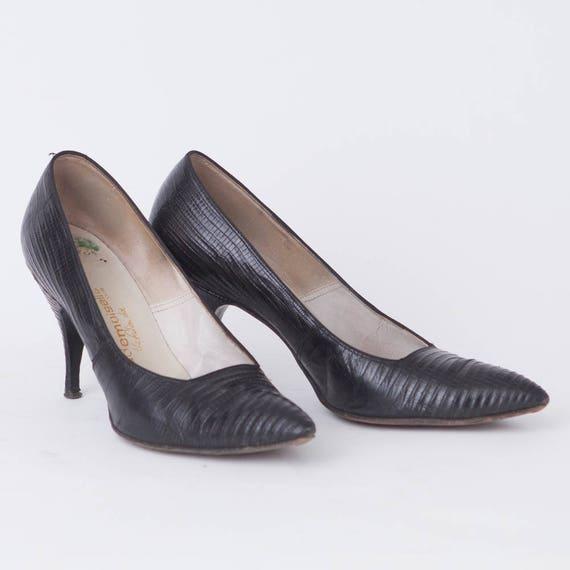1960s Vintage Black Reptile Pumps, Women's Size 7 B, 3 12