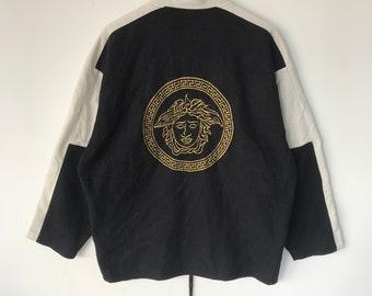 6ca513188d09 Vintage 90s bootleg VERSACE big logo medusa embroidered fleece jacket made  in japan black white gold fit large size avs154