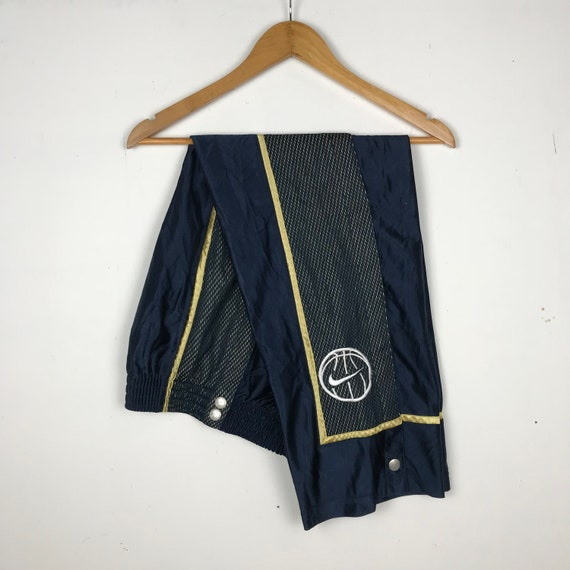 Rare!! Vintage 90s NIKE Basketball Poppers Bottom