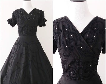f0ac1d99ad2 Vintage 1950 s Fit and Flare Dress