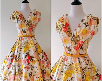 Vintage 1950's Floral Fit and Flare Dress | 1950's Sundress | 1950's Floral Circle Skirt Dress |