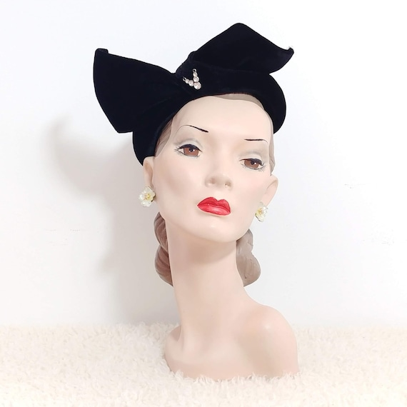 Vintage 1940s V for Victory Hat | 40s Black Velvet