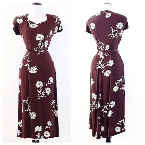 RESERVED  Vintage 1940s Floral Rayon Dress | 40s B