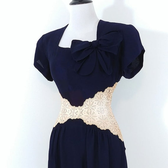 Vintage 1940s Lace Midriff Gown | 40s Navy Blue D… - image 4