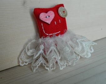 Lavandillo puppet magnet Red and white ballerina with heart