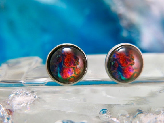 Round ear chip 12mmx12mm.  Cabochon made of glass.  Stainless steel stainless steel rod.- Earring