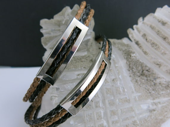 Men's braided leather strap, bracelet with stainless steel clasp.