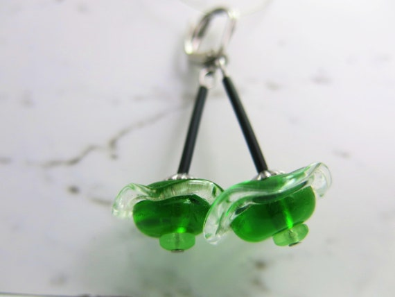 Dangling earrings in glass spun with blowtorch, hypoallergenic . Murano glass