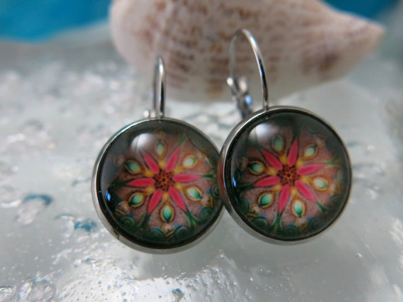 Mandala earrings, hypoallergenic glass cabochon.