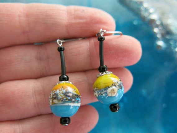 Colorful earrings, dangling glass beads, torched glass. Hypoallergenic jewel. Murano glass..!!!