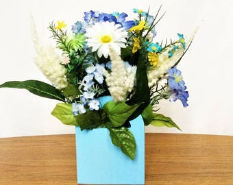White Daisy Floral Arrangement, Spring Silk Flower Centerpiece, Easter Decor, Spring Flower Arrangement, Easter Table Centerpiece, Daisies