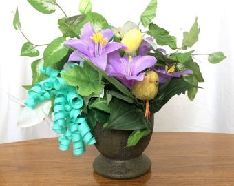 Purple Lily Flower Arrangement, Spring Silk Flower Centerpiece, Easter Decor, Spring Floral Arrangement, Easter Table Centerpiece, Purple