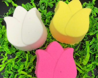 Tulip Bath Bomb, Moisturizing and Fragrant
