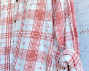 XS/S nightshirt style vintage flannel shirt white with dusty rose plaid, xsmall small, long nightshirt, bride shirt for getting ready