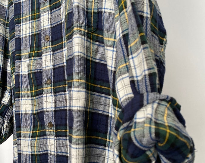 2X vintage flannel shirt, navy blue and green plaid, XXL, unisex bridesman bridesmaid flannels