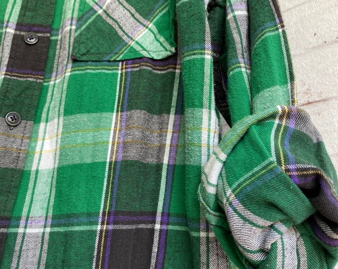 Small vintage flannel shirt, kelly green and purple plaid