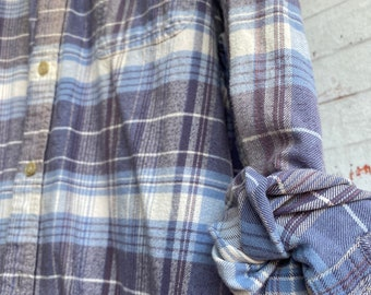 2X vintage flannel shirt, pale lavender and blue plaid, XXL