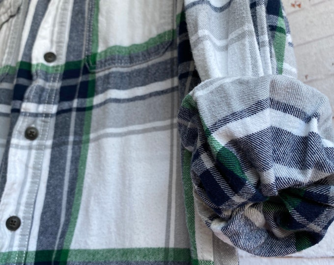 Medium vintage flannel shirt, white flannel with green and blue plaid, bride getting ready button down, MED