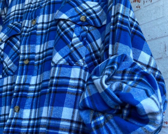 6X vintage flannel shirt, color royal blue and white, 6XL big and tall